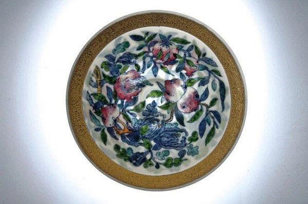 台灣陶瓷藝術家李存仁作品:17cm金邊鬥彩三多薄胎碗