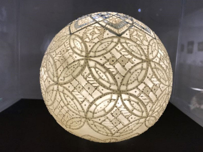 台灣陶瓷藝術家李存仁作品:泥線雕小球